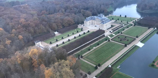 Helicopter Charters to a Chateau or Other French Destinations