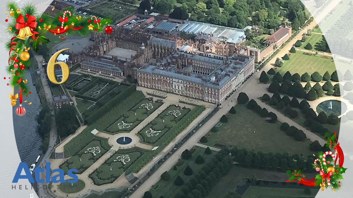 Altas-Advent-Calendar-06-Hampton-Court